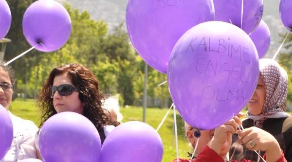 Engelli Kadınlar Sorunlarını Balonlara Yazıp Uçurdular