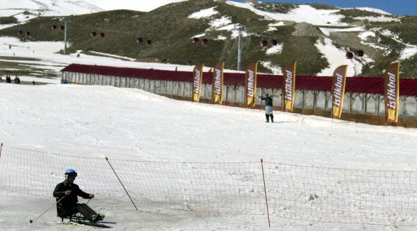 Engelliler Erciyes Kar Festivali'nde Buluştu