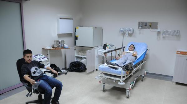 Engellileri Taşiyan Minübüs Kaza Yapti: 9'u Engelli Çocuk 13 Kişi Yaralandi