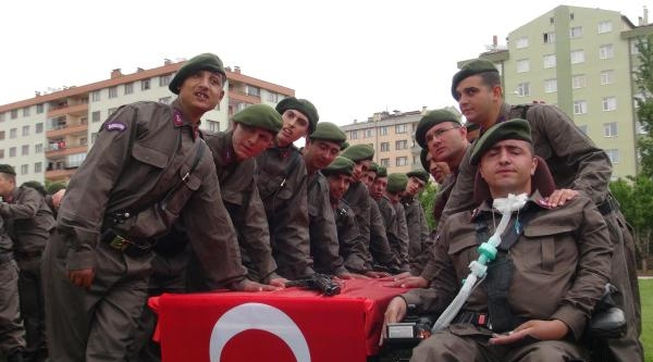 Engellilerin Bir Günlük Askerlik Gururu
