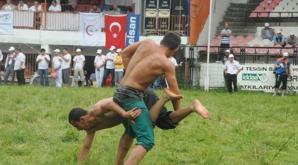 Er Meydanı'nda Güreş Heyecanı (2)