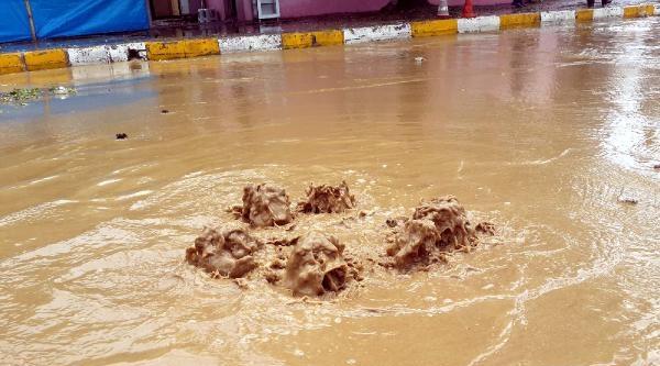 Erbaa'da Yağmur Ve Dolu Etkili Oldu