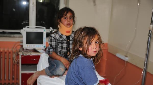 Erciş'te Trafik Kazası; Anne Ve Çocuğu Öldü