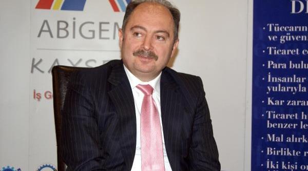 Erciyes Üniversitesi Genkök Akredite Belgesi Aldi