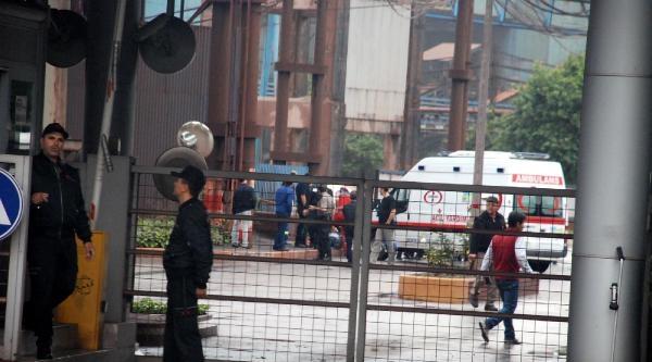 Erdemir'de Kaldırım Çöktü: 1 İşçi Yaralandı