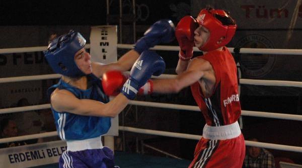 Erdemli'de Şampiyon Fenerbahçe Oldu