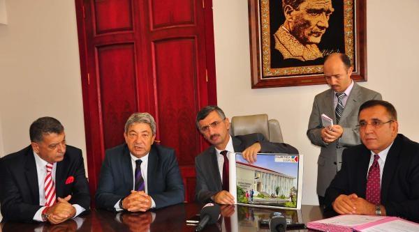 Erdoğan Demirören'den Soma'ya 2 Okul