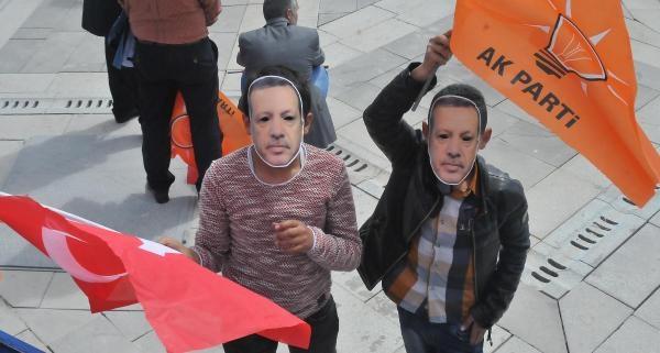 Erdoğan Gelmeyince, Konya'da Bakan Davutoğlu Halka Hitap Etti