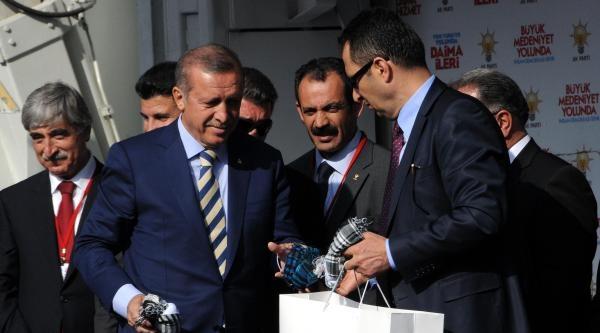Erdoğan, Kısık Sesle Miting Yaptı: Edepsizce Siyaset Yapana Siz Yanıt Vereceksiniz
