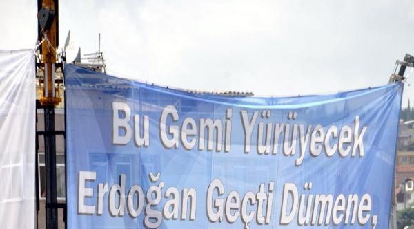Erdoğan Miting Alanına Geldi, Yağmur Başladı