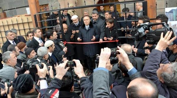 Erdoğan'in 'ucube' Dediği Minareler Yenileniyor