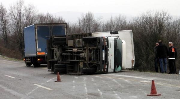 Ereğli'de İki Kazada 3 Kişi Yaralandı