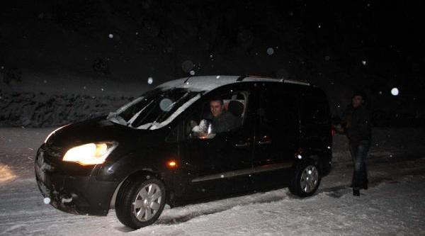 Ereğli'de Kar Ulaşimi Aksatti