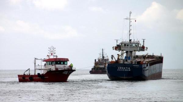 Ereğli'de Karaya Oturan Gemi 9 Gün Sonra Kurtarildi