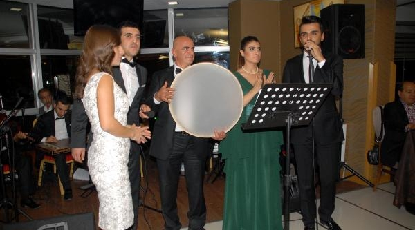 Ermeni Asilli Udi  Yervant Bostanci Devlet Korosunda
