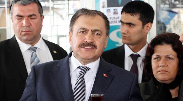 Eroğlu, 'bu Çocuk Bizim, Üvey Anaya Vermeyin' Diyerek Oy İstedi
