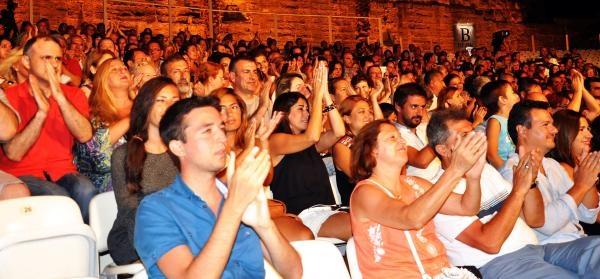 Erol Evgin, 33 Yıl Sonra Bodrum Kalesi'nde Konser Verdi