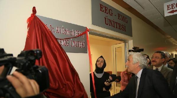 Erü Tıp Fakültesi'nden Emekli Öğretim Üyelerine Tören