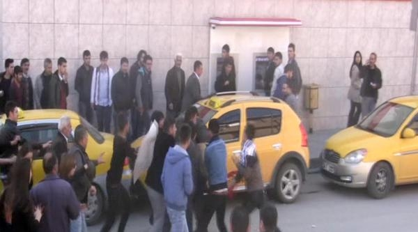 Erzincan'da Berkin Protestosunda Gerginlik