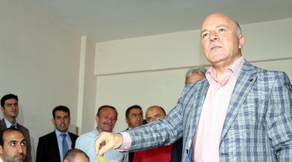 Erzurum Büyükşehir Belediye Başkanı Sekmen: Güneydeki İlçelerimizde Sandık Görevlisimiz Yok