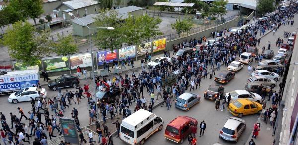 Erzurum'da 10 Bin Kişi 'bayrak' İçin Yürüdü