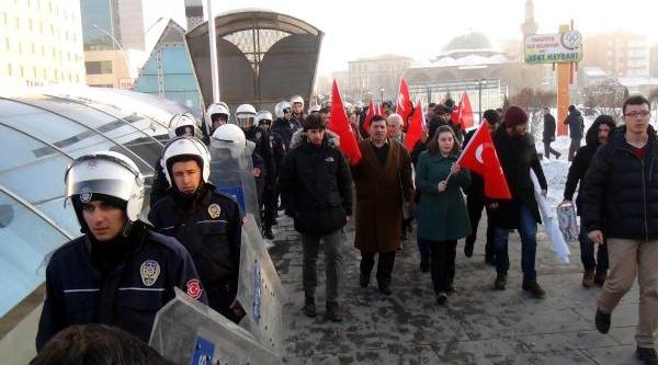 Erzurum'da Açiklama Yapan Tgb'lilere Tepki