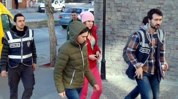 Erzurum'da Gürcistanli 2 Travestiye Fuhuş Gözaltisi