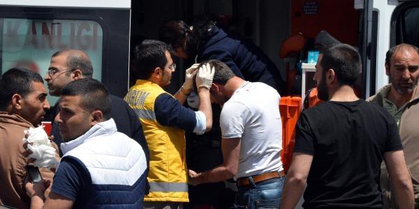 Erzurum'da Satır Ve Bıçaklı Kavga: 6 Yaralı