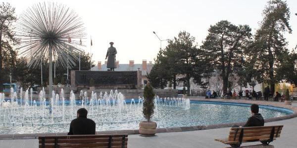 Erzurum'da Son 10 Yilin En Sicak Kasim Ayi Yaşaniyor