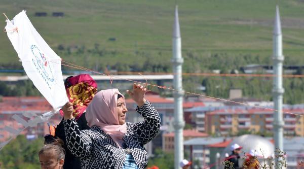 Erzurum'da Uçurtma Şenliği