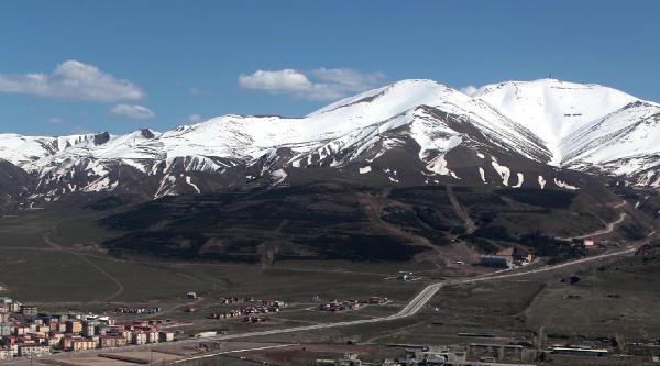 Erzurum'un Sembolü Olan Kayakta Atlama Kulelerinin Pistleri Göçtü- Ek Fotoğraflar