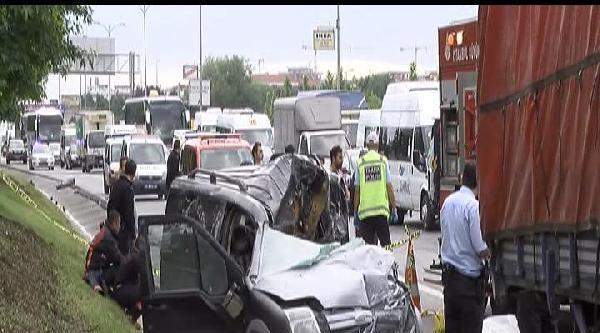 Esenler'de Trafik Kazası: 1 Ölü, 1 Yaralı