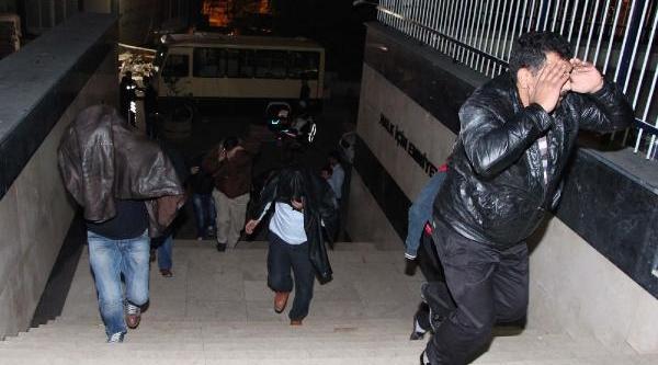 Esenyurt'ta Kumar Baskini: 110 Gözalti