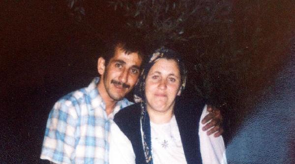 Eşinin İşyerinde Çiplak Yakaladığı Kadını Bıçakladı