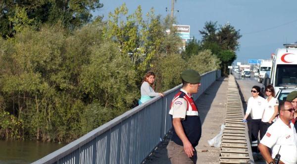 Eşiyle Tartışan Kadın Sakarya Köprüsü'ne Çikti