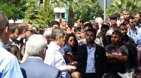 Eski Bakan Günay İle Milletvekilleri Soma'da İşçilerle Görüştü