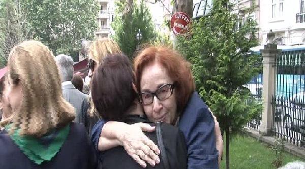 Eski Başbakanlardan Sadi Irmak'in Eşi Son Yolculuğuna Uğurlandı