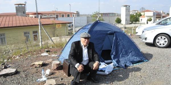 Eski Milletvekili Alinak, Cezaevi Önünde Çadir Kurdu