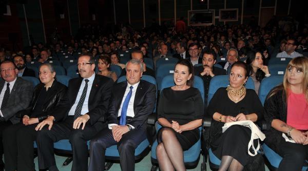 Eskişehir Film Festivali'nde Kemal Sunal Ve Perihan Savaş'a Onur Ödülü