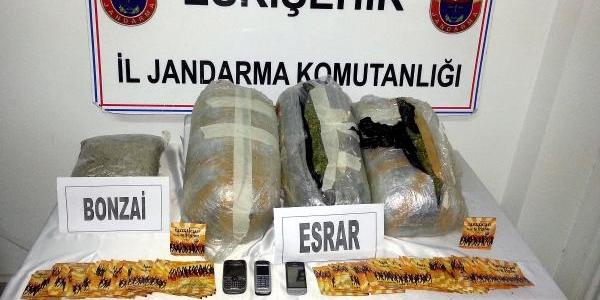 Eskişehir'de 36 Kilo Esrar Ele Geçirildi (2)