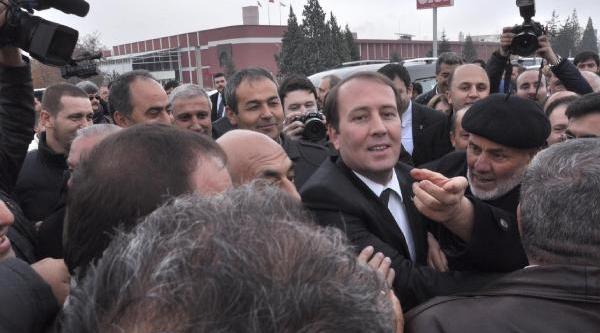 Eskişehir'de Ak Parti'den Spor Salonunda Bakanli Aday Tanitim Toplantisi