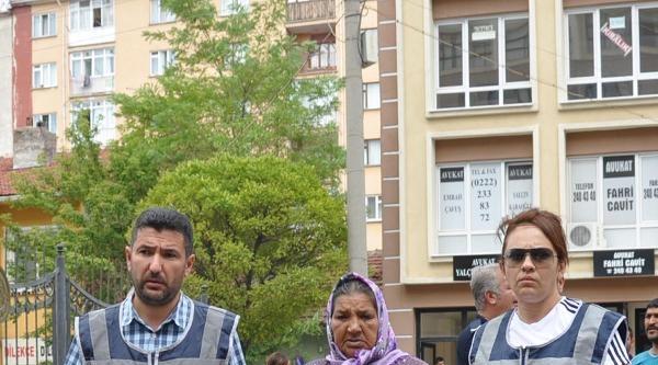 Eskişehir'de Bonzai Satıcısı 'anne' Ve Ortağı Yakalandı
