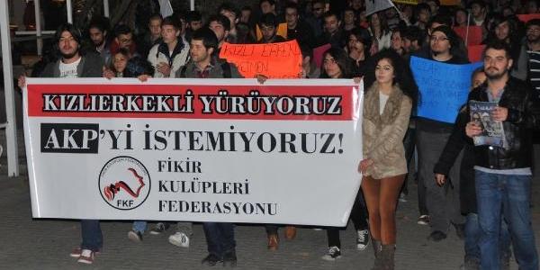 Eskişehir'de Kizli Erkekli Yürüyüş