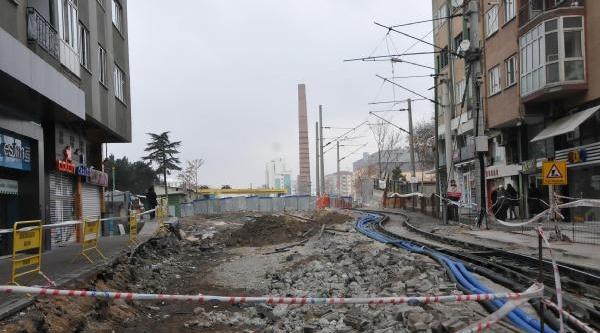Eskişehir'deki Elektrik Kesintilerinin Nedeni Yht Hatti Çalişmalari