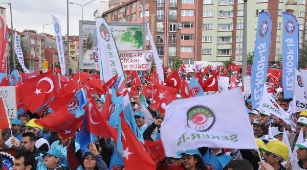 Eskişehir'deki 'taksim Meydanı'nda 1 Mayıs Kutlaması (2)