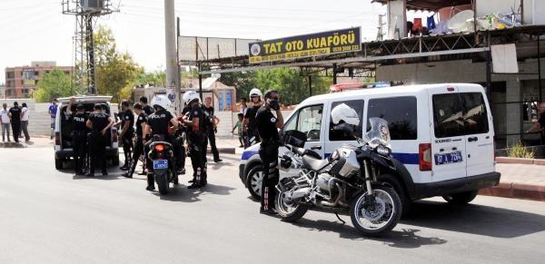 Esrarcıları Gözaltına Almak İsteyen Polise Saldırı