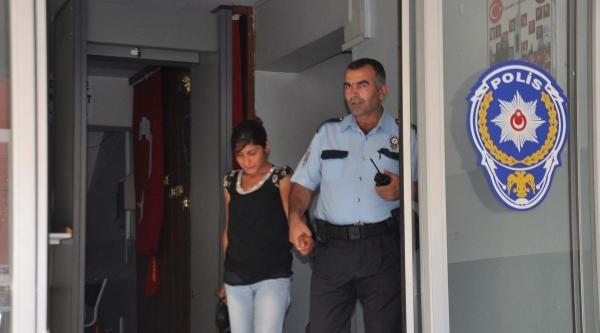 Ev Sahibine Yakalanan Hırsızlık Şüphelileri Polise Teslim Edildi