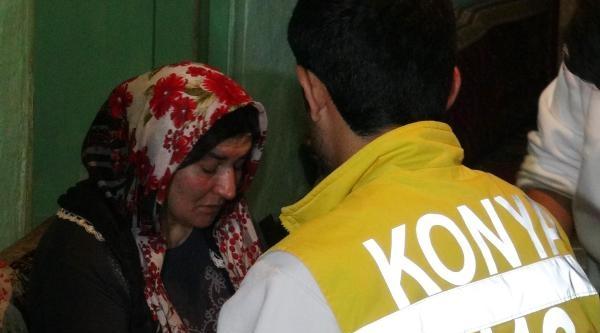Evde Yalnız Olan Kadının Boğazına Bıçak Dayayıp Gasp Ettiler