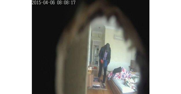 Eve giren hırsızı gizli kamera yakaladı!
