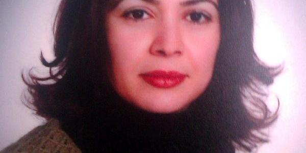 Evinde Fenalaşan 42 Yaşindaki Edebiyat Öğretmeni Kaldirildiği Hastanede Öldü